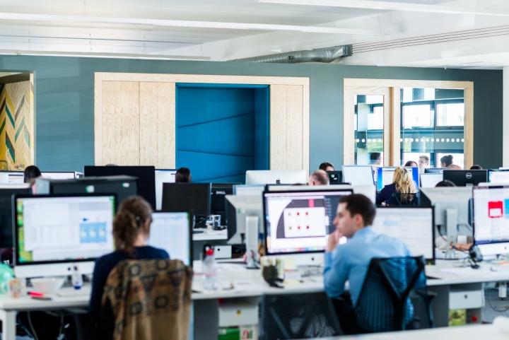 Оформление интерьера офиса: сосредоточенность на коллективном