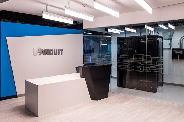 Стильное оформление интерьера офиса Panduit в Мексике