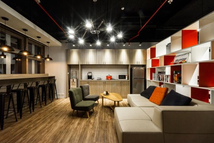 Уютное оформление интерьера офиса в Тайване: зона отдыха