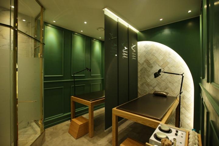 Оформление салона красоты: стилизованная зеленая комната