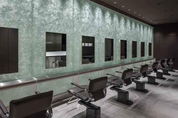 Оригинальный дизайн салона красоты. Интерьер зоны для обслуживания клиентов: всё предельно просто и в то же время стильно - фото 2
