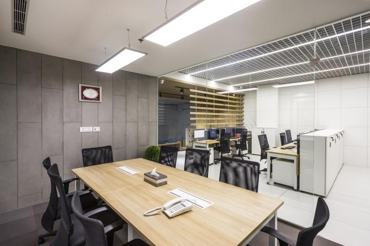 Оригинальный интерьер офиса для индийской компании: пространство для работы