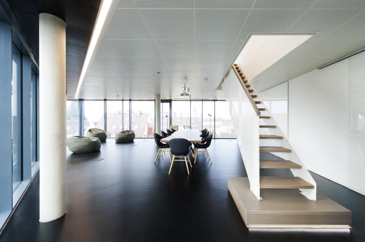 Оригинальный офис, фото из города Фридрихсхафен - дизайн лестницы
