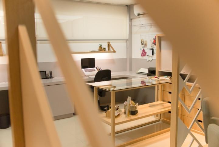 Отделка офиса деревом: ffWhite Office от Studio FAV