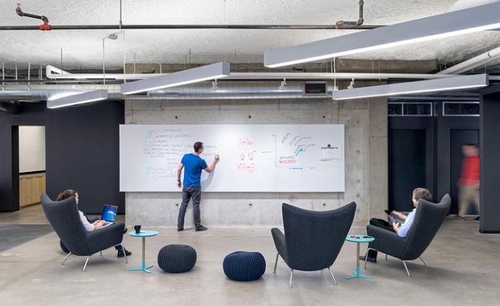 Открытый интерьер офиса в США - стильный вид на офис