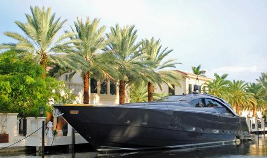 Итальянская яхта Pershing Pininfarina