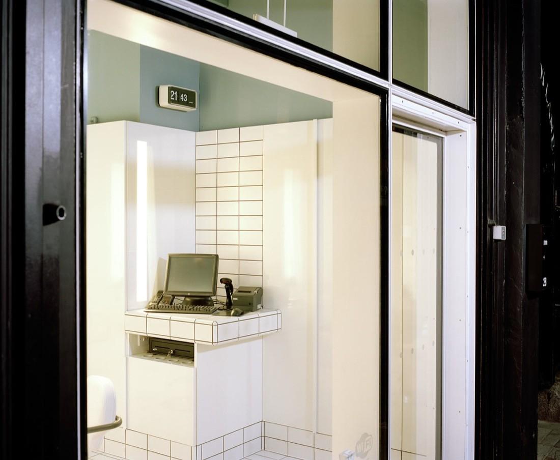 Дизайн парикмахерской: витрина салона