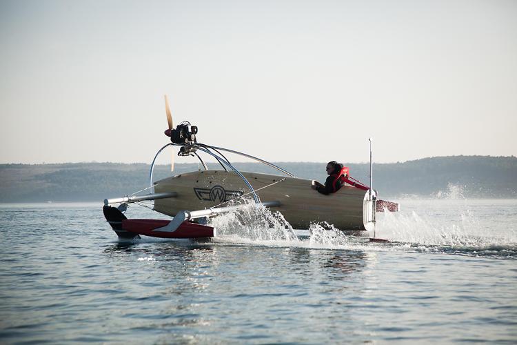 Крылатая лодка wFoil Albatross выходит на глиссирование