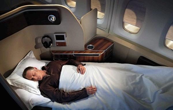 Проект лайнера Qantas Airbus 380: мягкие кресла полностью раскладываются