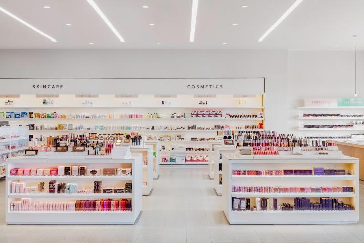 Проект магазина косметики - оттенки белого в дизайне