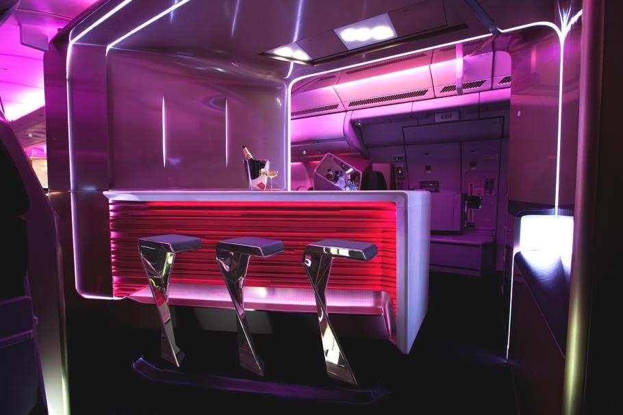 Проект футуристического бара в самолёте - фото 7