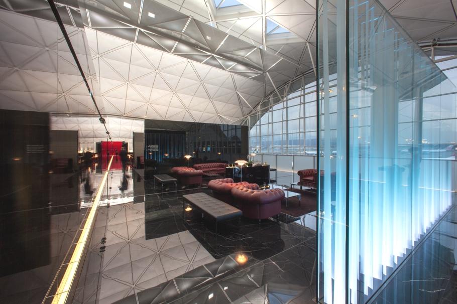 Проект реконструкции аэропорта и салона Boeing 777-300 ER: зона для пассажиров, летящим бизнес- и первым классами