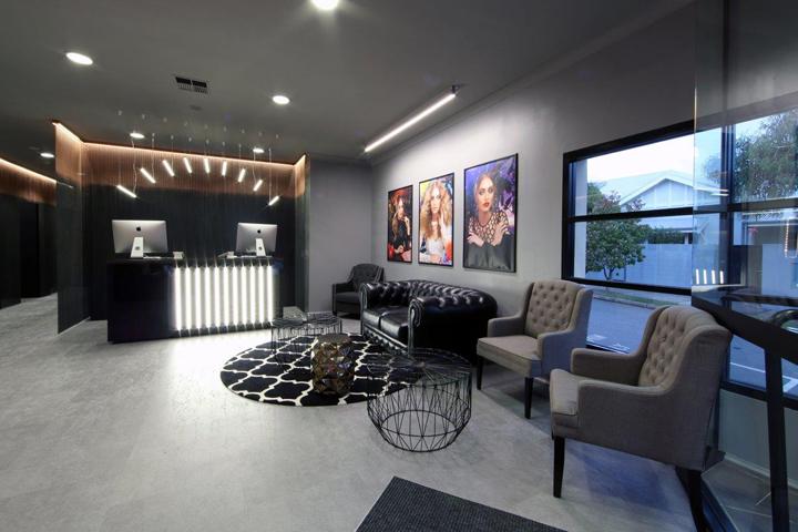 Проект салона красоты - интерьер в сером цвете