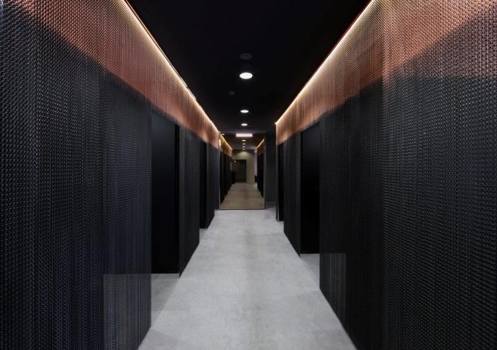 Необычный дизайн холла салона красоты