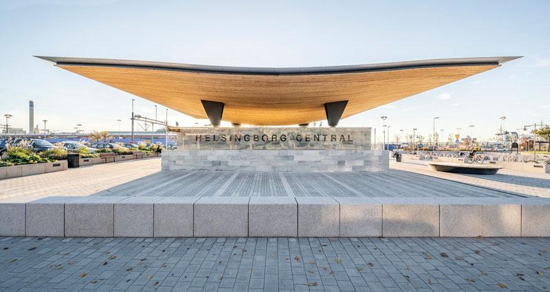 Уникальный проект железнодорожного вокзала Хельсингборга, Швеция: днём