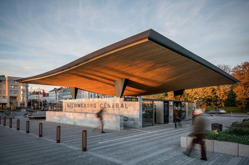 Уникальный проект железнодорожного вокзала Хельсингборга, Швеция: вид со стороны выхода на платформы