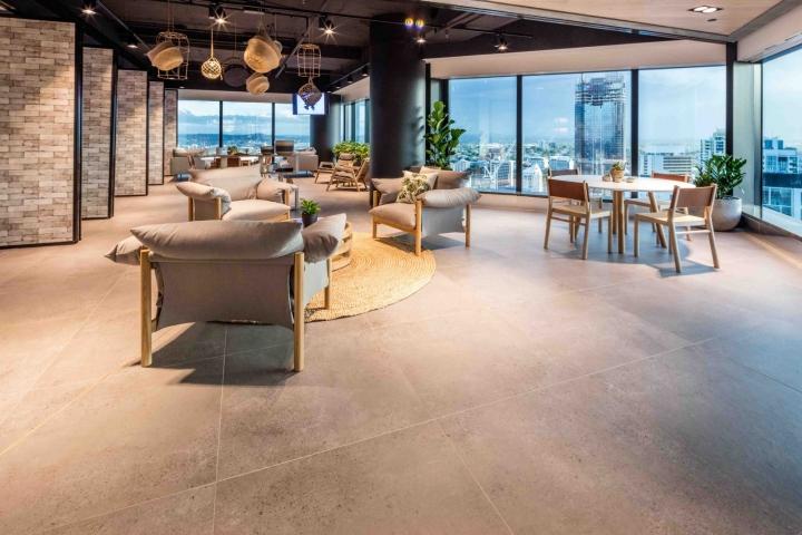 Растения в интерьере офиса Dexus Palace: дизайн кресел
