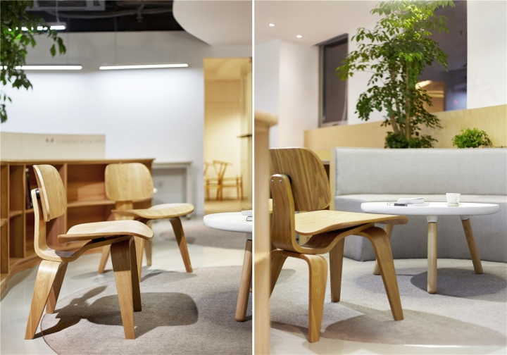 Растения в интерьере офиса от Muxin Design - деревянные стульчики