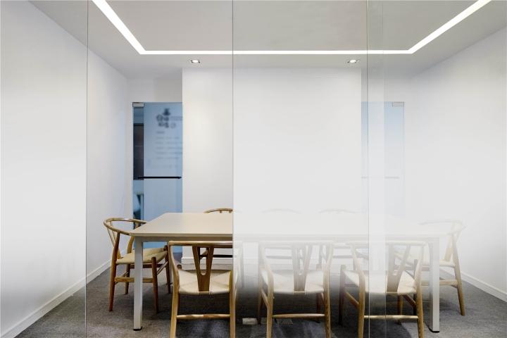 Растения в интерьере офиса от Muxin Design - место для проведения встреч