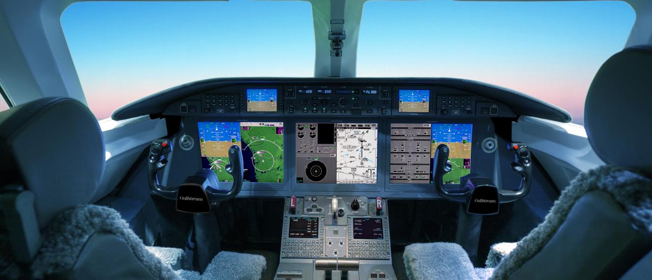 Кабина для пилотов реактивного самолёта Gulfstream 280