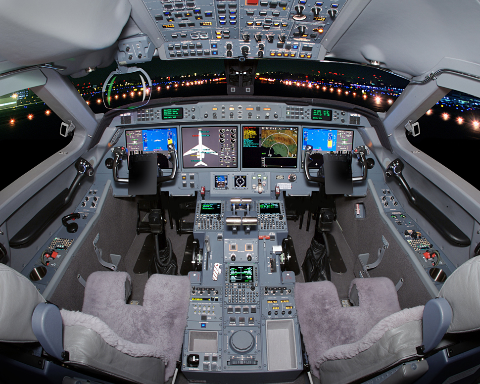 Управление реактивным самолётом Gulfstream G550