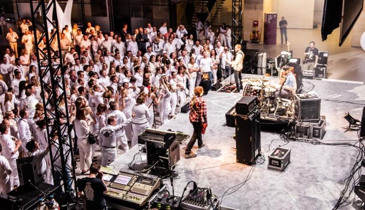 Концерт в аэропорту от студии hartmannvonsiebenthal