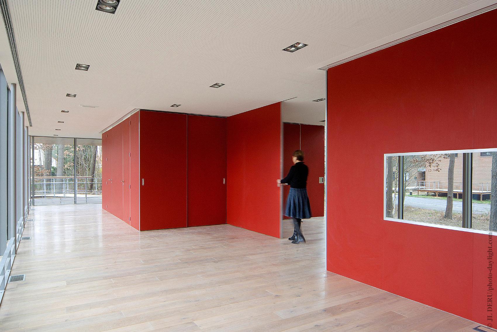 Дизайн пансионата Lennox Artau в сосновом заповеднике в Бельгии