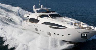 Роскошная моторная яхта Ferretti Custom Line 100