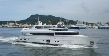 """Роскошная яхта Horizon RP110 """"Lady Gaga"""" от тайваньской верфи Horizon"""