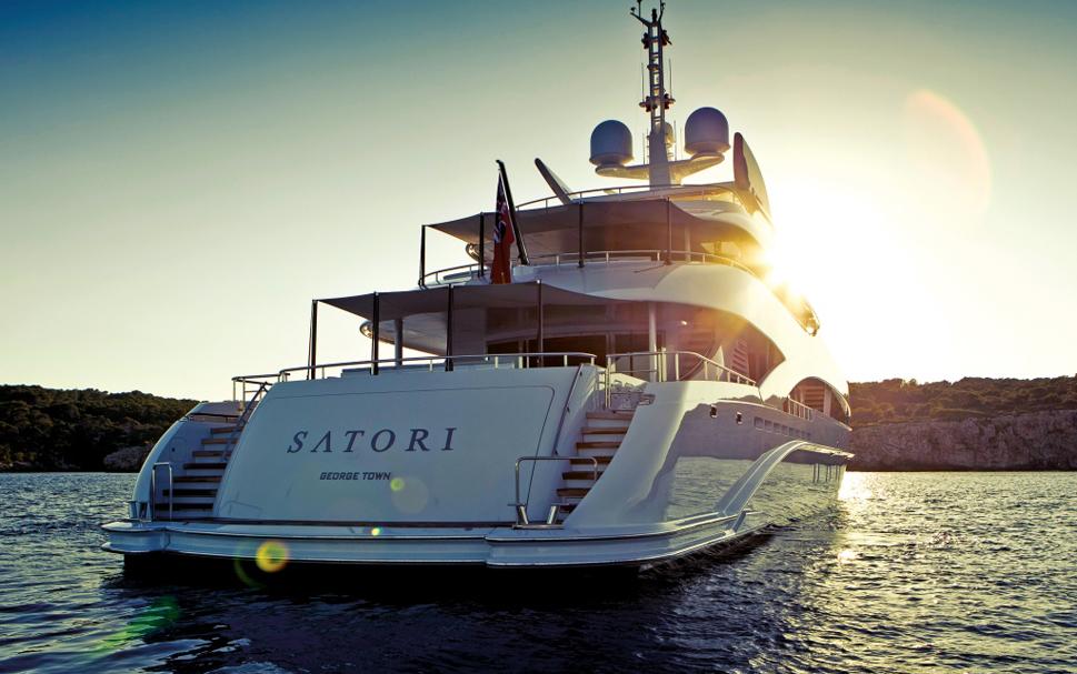 Роскошная яхта Satori рассчитана на 12 пассажиров