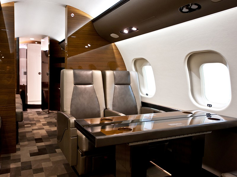 Роскошный самолёт бизнес-джет Bombardier Global 6000 - фото 1