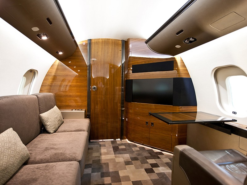 Роскошный самолёт бизнес-джет Bombardier Global 6000 - фото 2