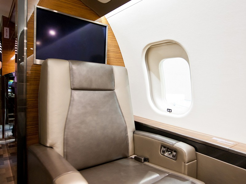 Роскошный самолёт бизнес-джет Bombardier Global 6000 - фото 13