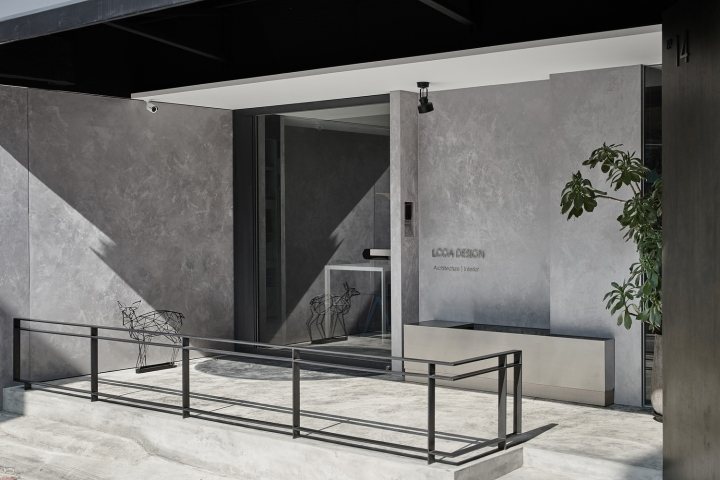 Серый цвет офиса в Тайване: дневной свет и серый цвет