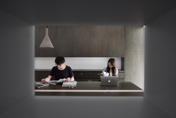 Серый цвет офиса в Тайване: отсутствие стены