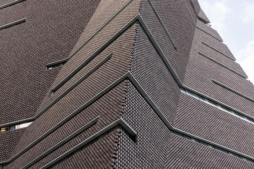 Шедевр современной архитектуры: кирпичный экстерьер здания