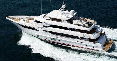 Шикарная скоростная яхта Majesty 135