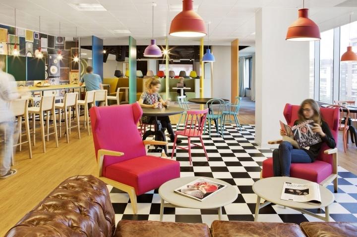 Дизайн столовой в офисе Sony Music в Мадриде