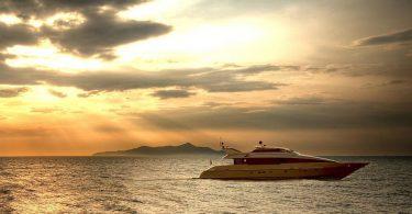 Современная голландская яхта AA Absolute от верфи Heesen Yacht