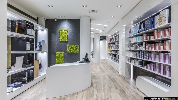 Современный дизайн для  аптеки: кассовая зона