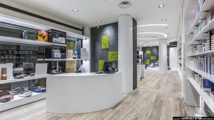 Современный дизайн для  аптеки: уютный эффект паркета