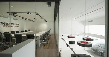 Современный стиль в интерьере офиса Engel&Volkers Sara Grech Centr