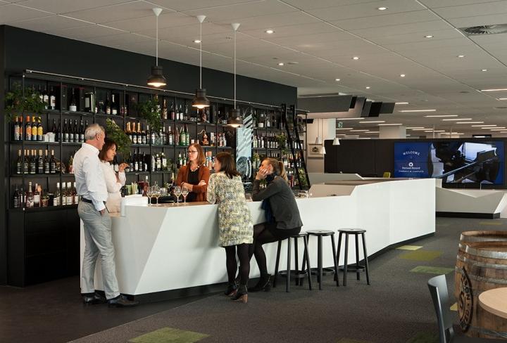 Создание интерьера офиса в Окленде, Новая Зеландия: бар