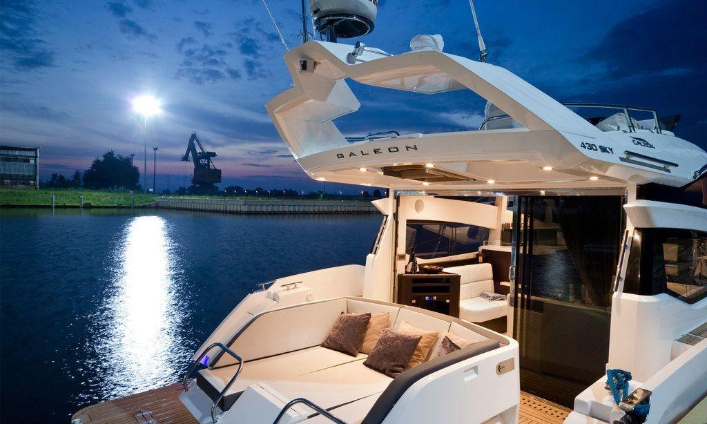 Спортивная яхта Galeon 430 Skydeck: терраса - фото 5