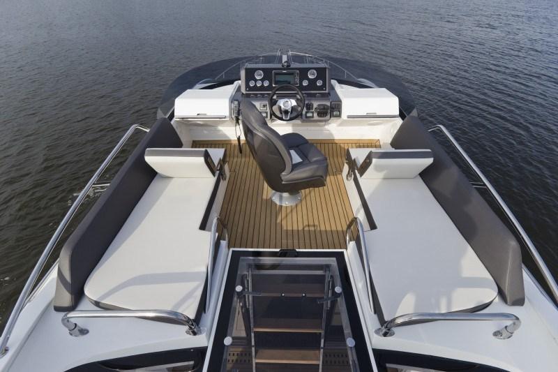 Спортивная яхта Galeon 430 Skydeck - фото 1