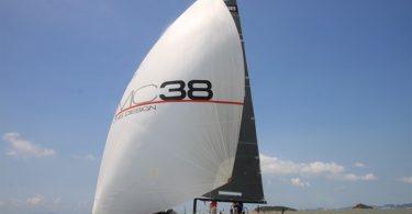 Элегантная спортивная яхта МС 38 – парусник нового поколения от фирмы McConaghy's Zhuhai