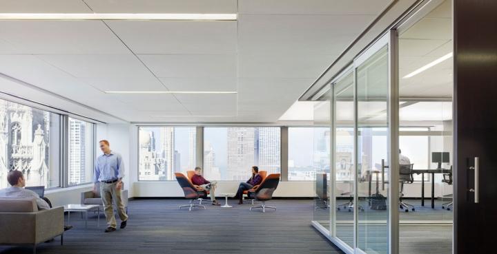 Ультрасовременный дизайн офиса  Sterling Partners с открытой планировкой в Чикаго