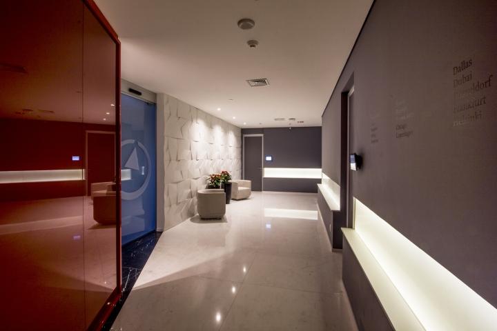 Стильный интерьер офиса Bain & Company - фото 2