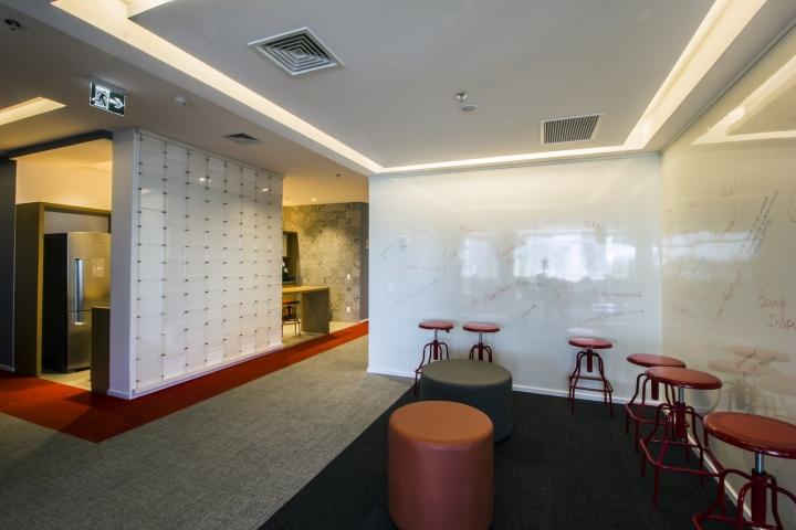 Стильный интерьер офиса Bain & Company в Сан-Пауло