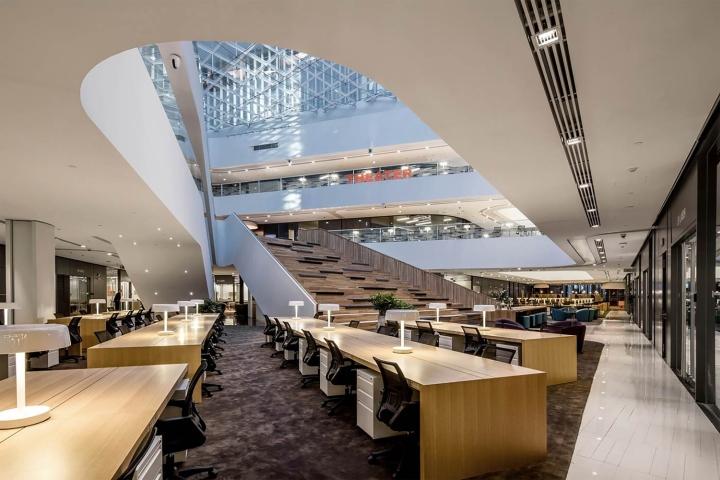 Стильный интерьер офиса SOHO 3Q в Пекине